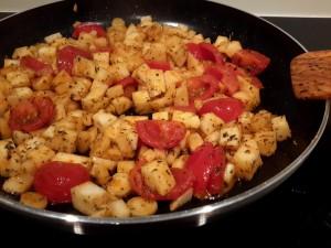 wortelpeterselie-knolsederij-en-tomaat-smoren-met-wat-tijm-en-bonenkruid