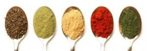 lepels-met-kruiden-en-specerijen